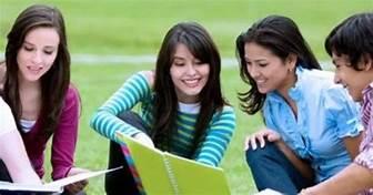 """""""Kiprah Mahasiswa dalam Mengubah Wajah Dunia"""""""
