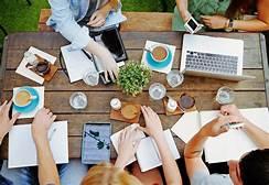 """""""Cara Mahasiswa Mengatur Waktu Antara Kuliah Dan Kerja"""""""