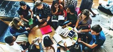 """""""Dear Mahasiswa Baru, Inilah Manfaat dari Aktif di Organisasi Kampus!"""""""